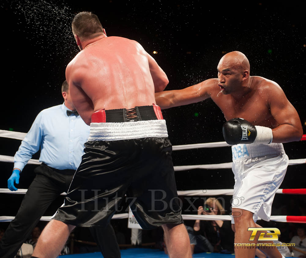 Fres Oquendo vs Joey Abell at The HorseShoe Venue