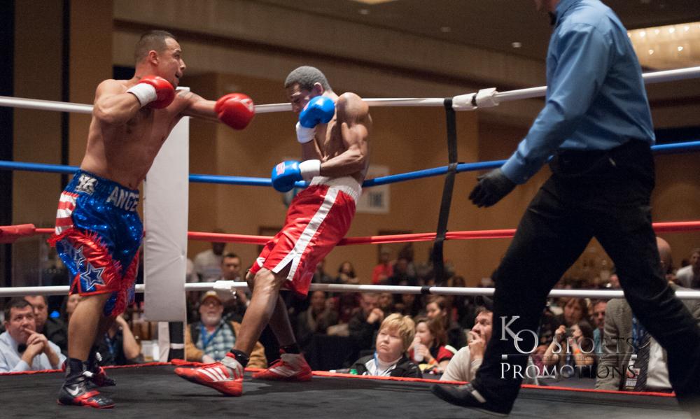 Hernandez (Blue trunks-Winner) vs Johnson (Red trunks)-2.JPG