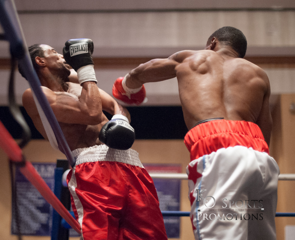 Martin (White trunks-Winner) vs Elerson (Red trunks)-1.JPG