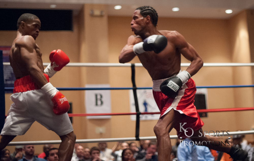 Martin (White trunks-Winner) vs Elerson (Red trunks)-2.JPG