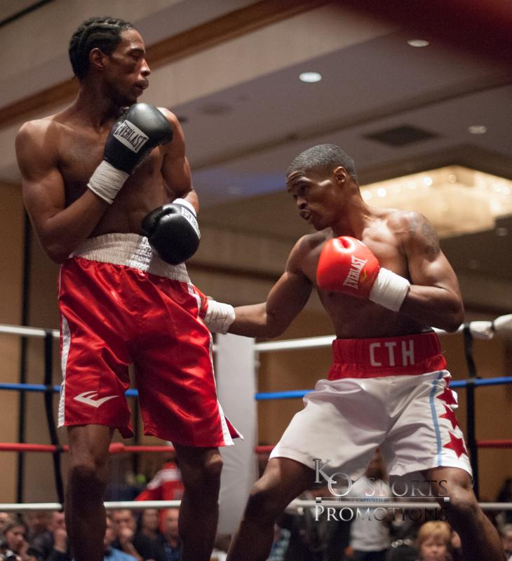 Martin (White trunks-Winner) vs Elerson (Red trunks)-3.JPG