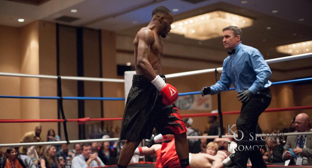 Sharp (Black trunks-Winner) vs Johnson (Red trunks)-3.JPG