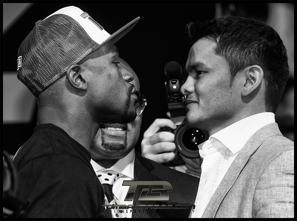 Floyd Mayweather          46 & 0   with 26 KO's                                           Marcos Maidana         35  & 4   with 31 KO's