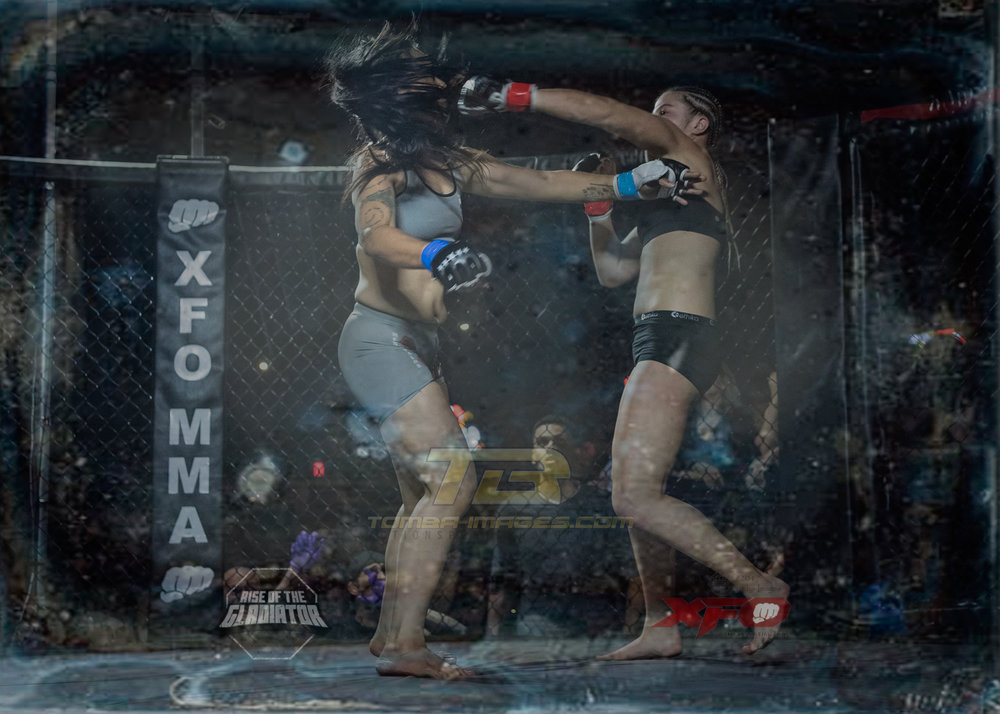 Joanna Pruszynski vs Anna Arboleda        Click on image to view in a lightbox
