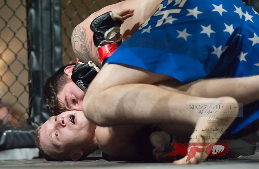 JR Roberts vs Seth Swinehart-07.jpg