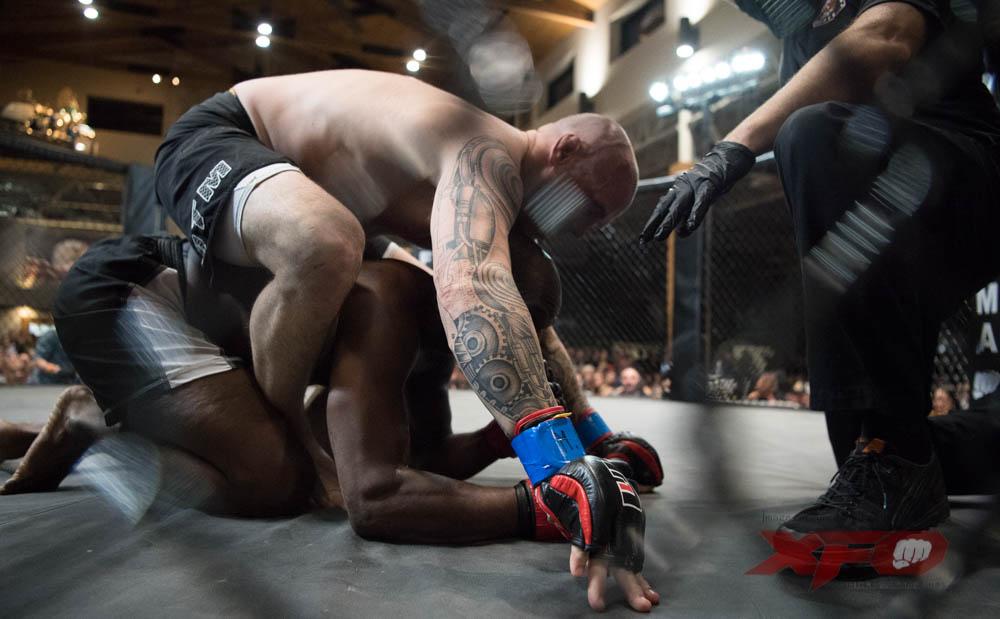 Budnik-Blue Gloves vs Ellis-09.jpg