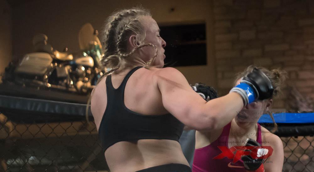 Bulow -Blue gloves vs Mergner-25.jpg
