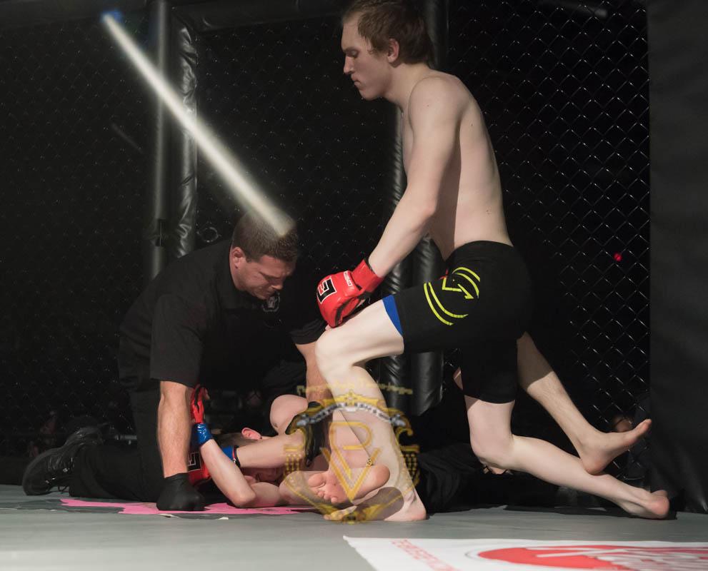 Stevens vs Sagraves-Title-08.jpg