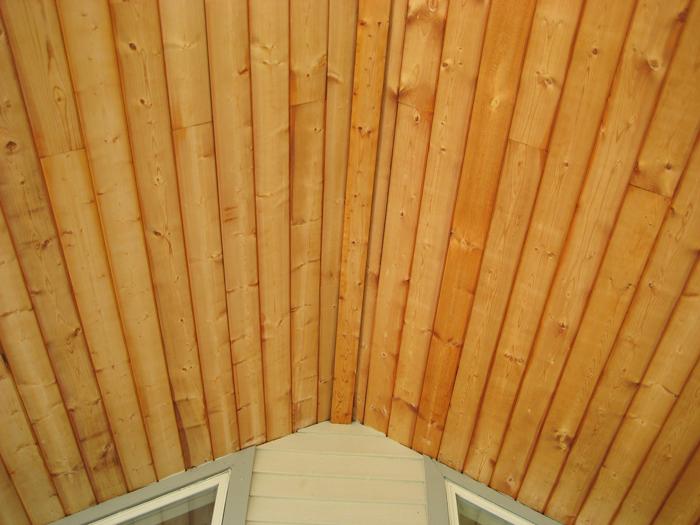 Wood-Brightening-and-coat-of-Flood-UV-Oil.jpeg