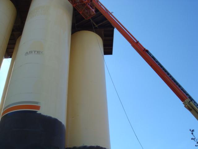 4-20-09  Granite Construction Tanks 009.JPG