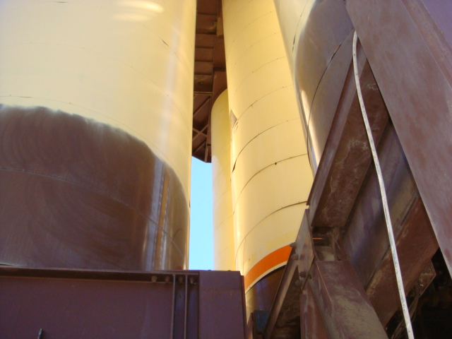4-20-09  Granite Construction Tanks 013.JPG