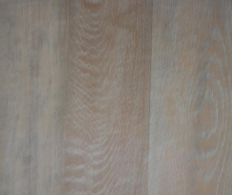 Hardwood%20Floor%20Finish%20Installation%20(3).JPG
