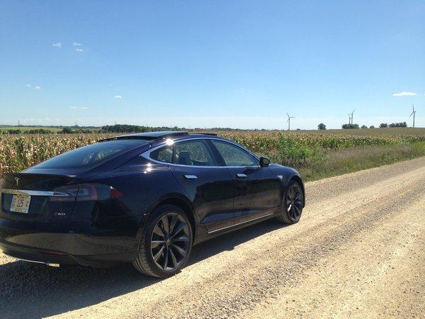 Tesla Model S 85kWH*