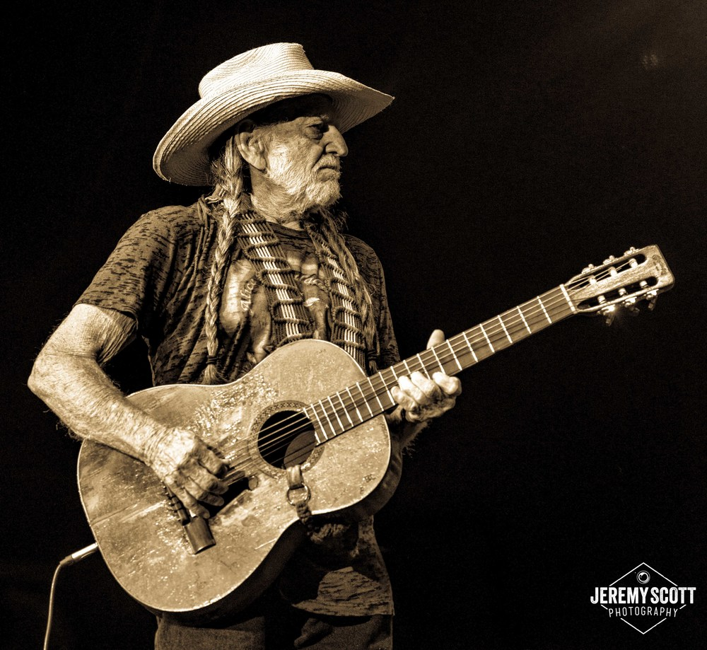 CO_140707_Willie_Nelson_AMP-14bw-2.jpg