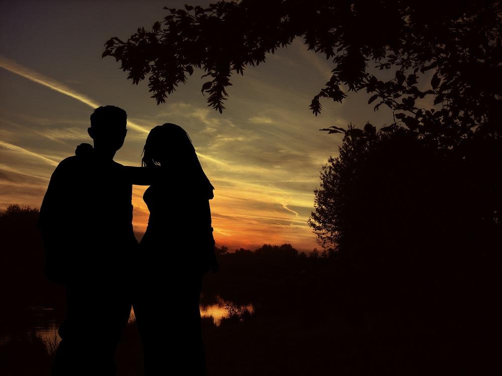lovers-79294_1920.jpg