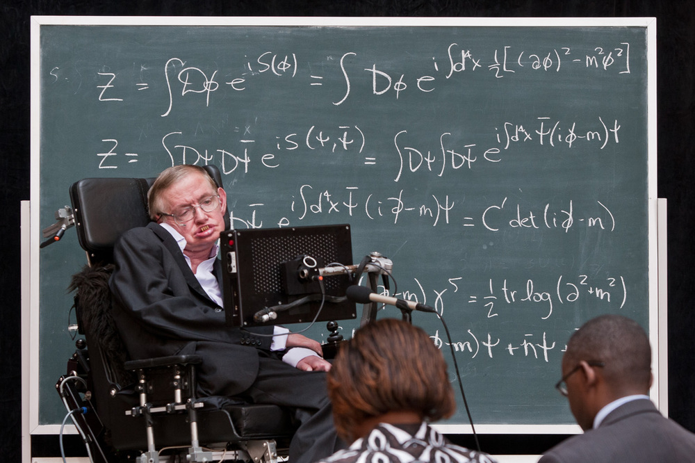 Stephen Hawking speaks during a visit to the Perimeter Institute in Waterloo. ​