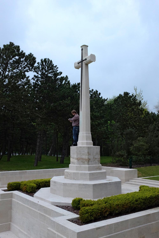 Etapels Military Cemetery-4.jpg