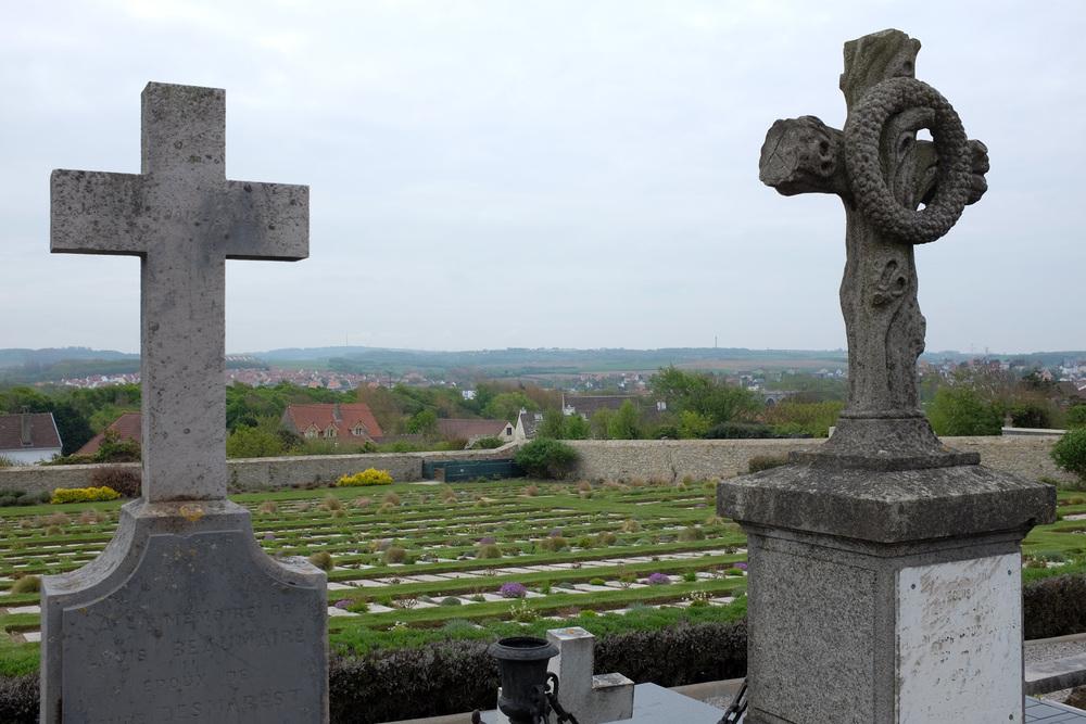 Wimereux communal cemetery-3.jpg