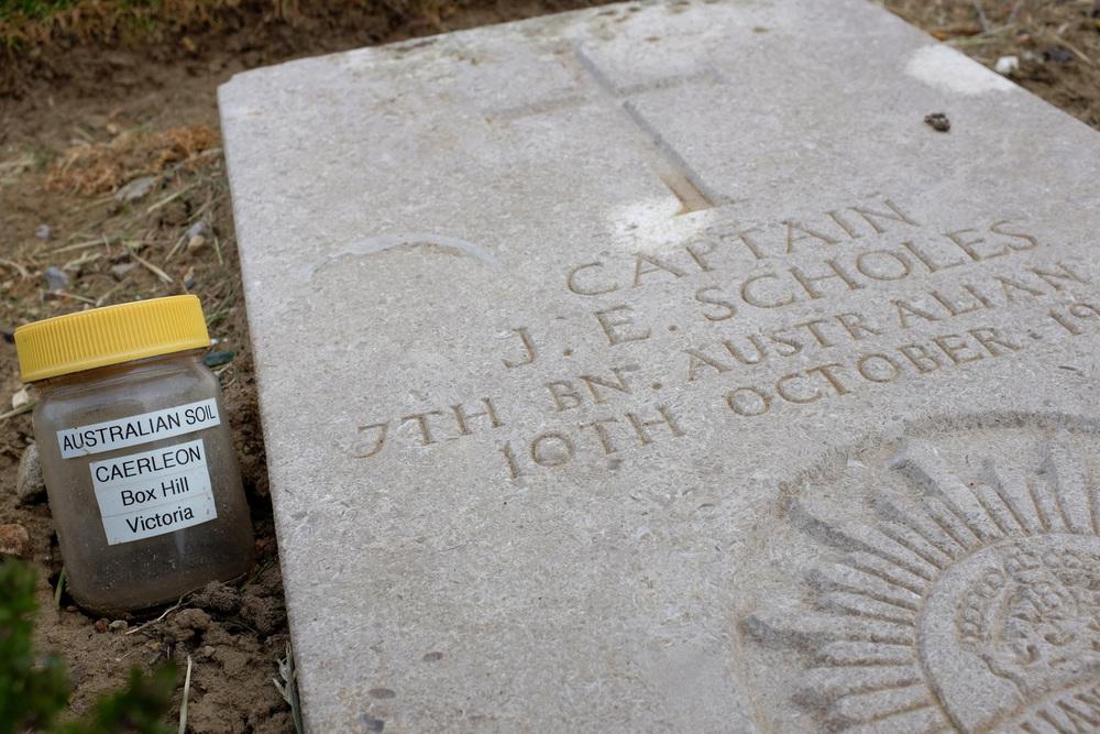 Wimereux communal cemetery-2.jpg
