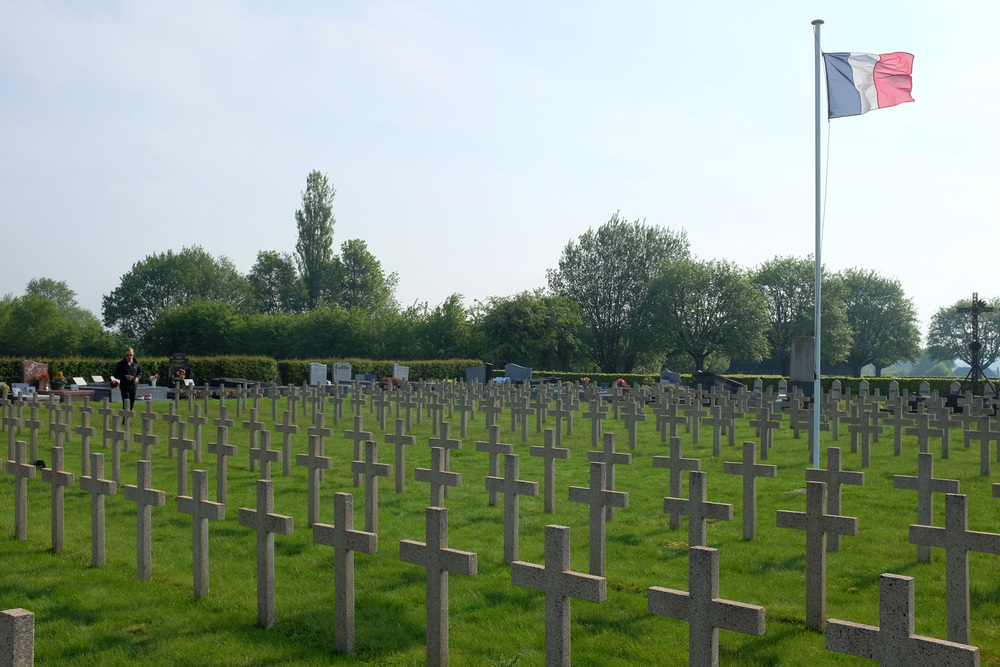 French Graves-1.jpg