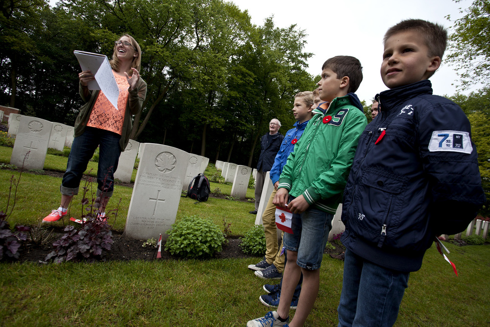 Dutch children-100dpi-25.jpg