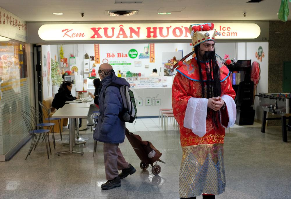 China mall2-100dpi-3.jpg