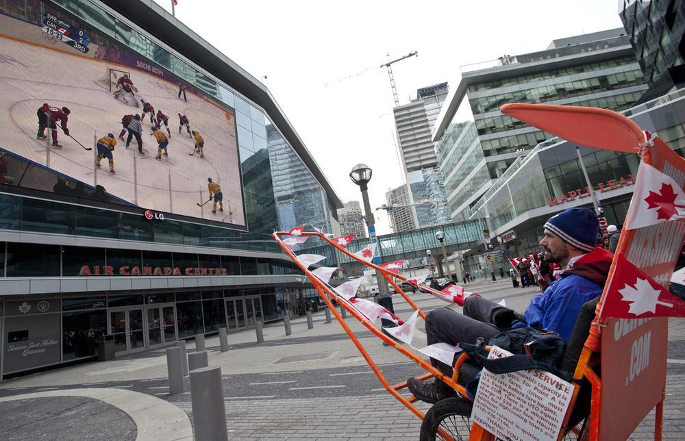 Hockey-gold-Feb-23-2014-2-Nick Lachance.jpg