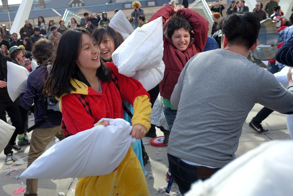Pillow Fight-100dpi-17.jpg