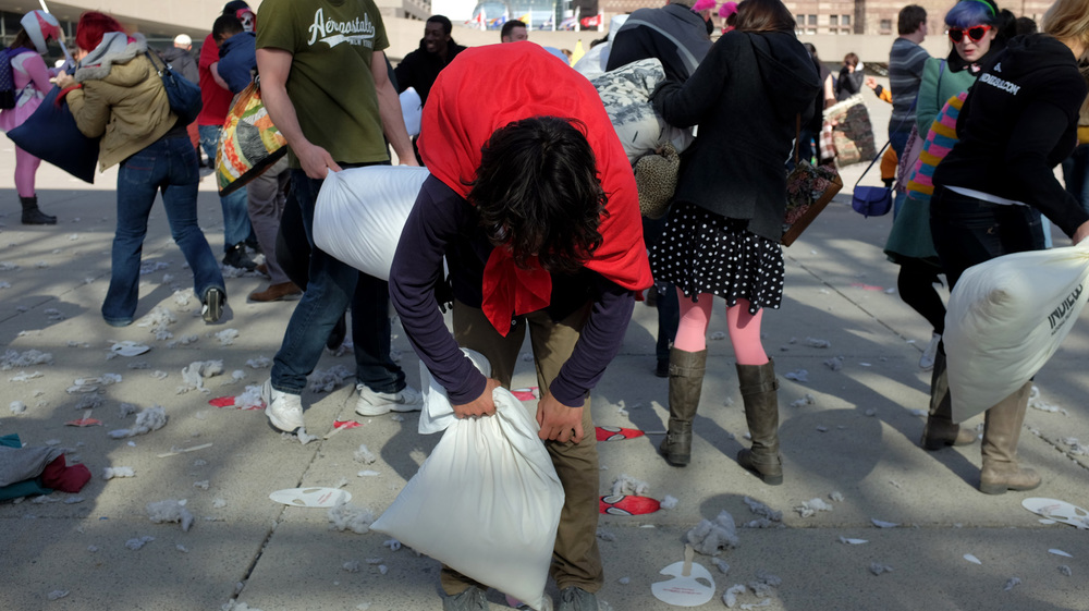 Pillow Fight-100dpi-20.jpg