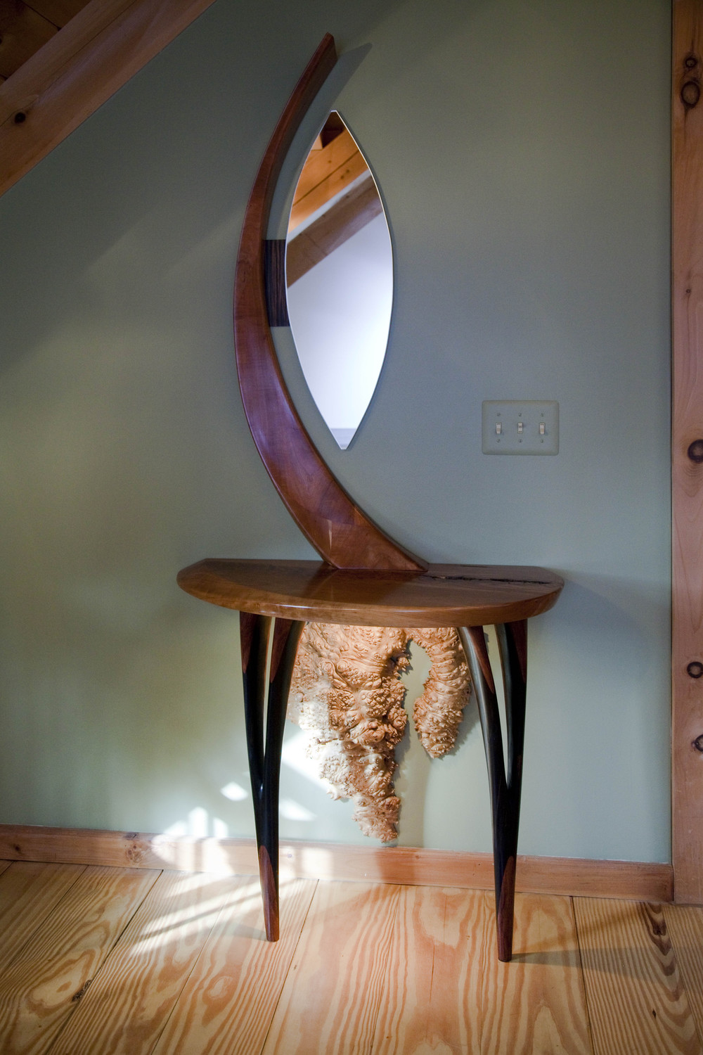 Console table by valebruck.com