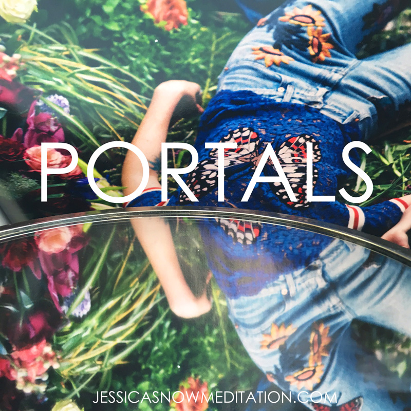 PORTALS  - 19 MINUTE DREAMWALKING MEDITATION - PAY ATTENTION TO SYMBOLS AS YOU MOVE THROUGH IT.