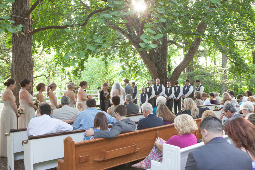 Such a gorgeous wedding with out church pews. www.rentpews.com photo by www.brookeboling.com