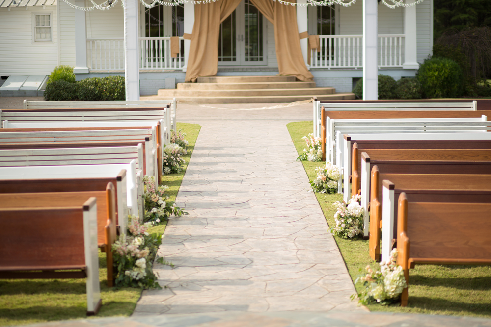 Church Pews at a Sonnet House Wedding - photo by Unplugged Photography