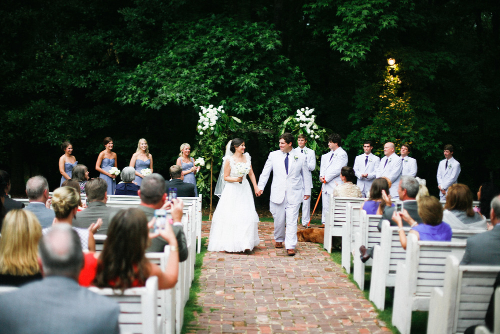 Outdoor weddings in Alabama with church pews. P.E.W.S. www.rentpews.com Photographed by: Joanna Ballentine