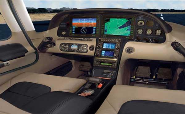 SR22 cockpit.jpg