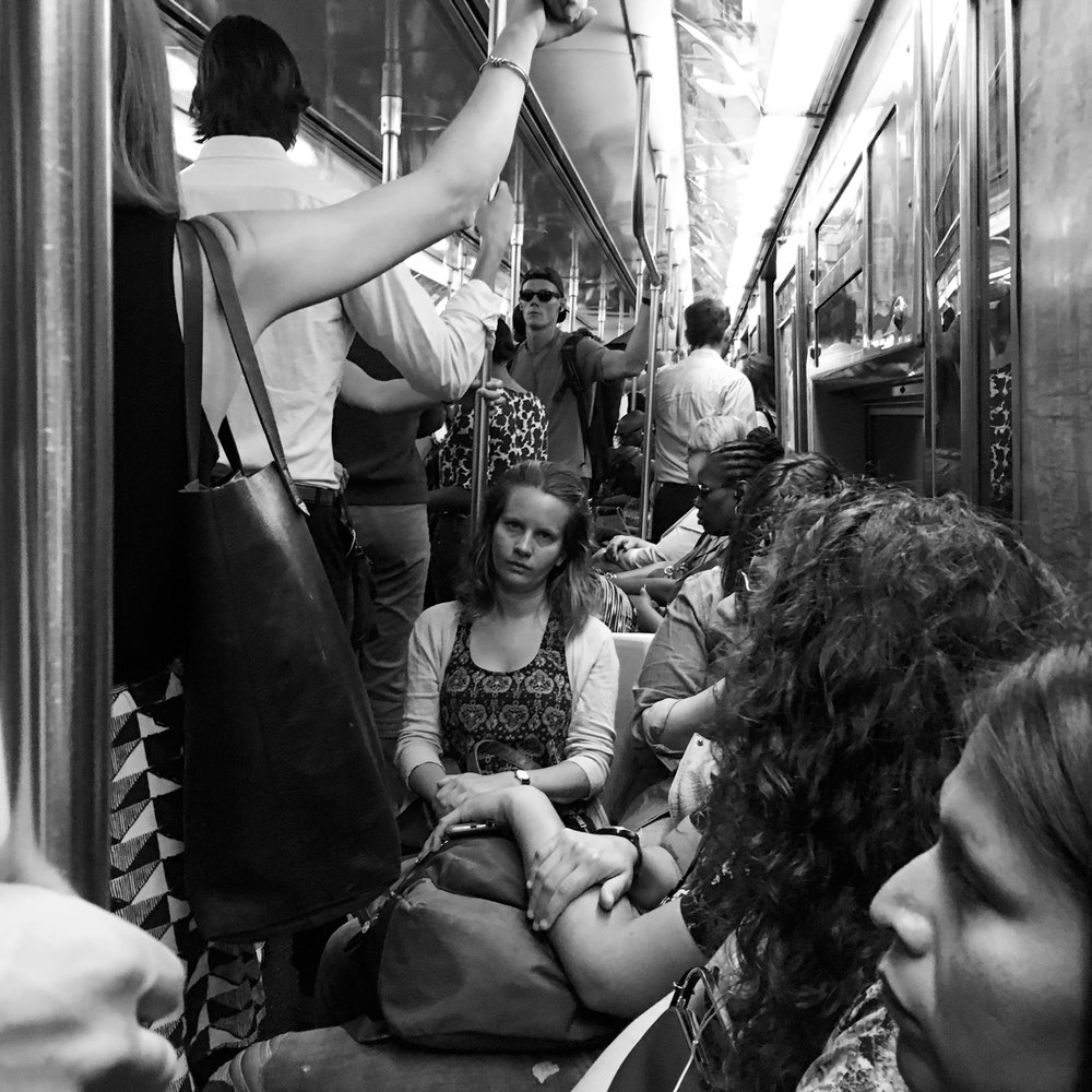 commuters_gonzguzphoto_04.jpg