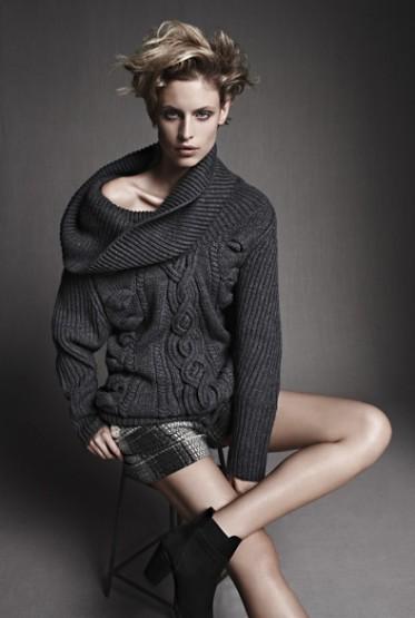 Amanda-Wtichery-Women-2-373x555.jpg