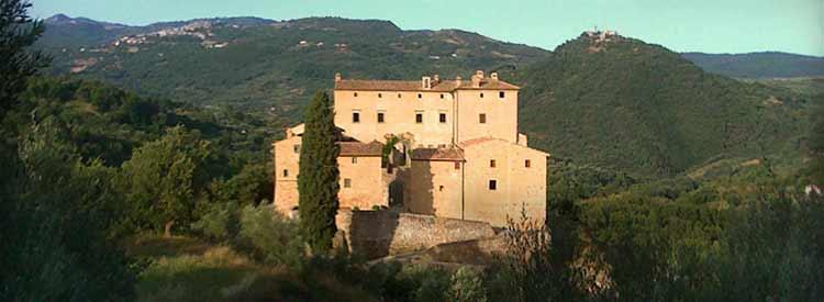 idyllic_castle_wine_tuscany_potentino.jpg