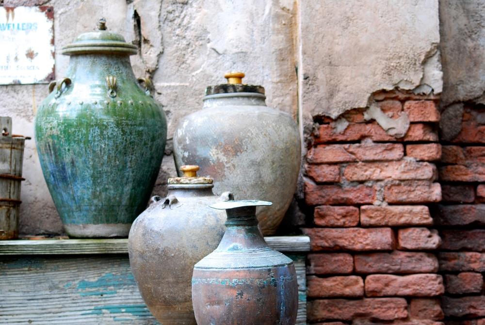 Artisanal jars and vases