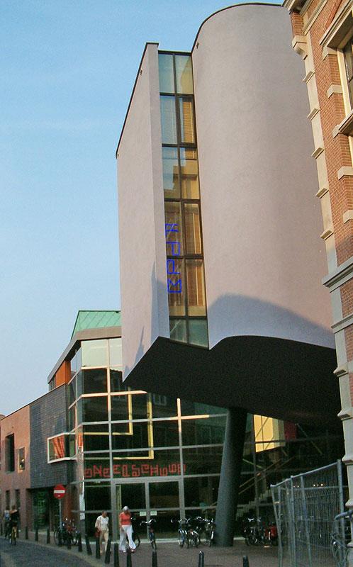 Toneelschuur-Haarlem-Lange-Begijnestraat.jpg