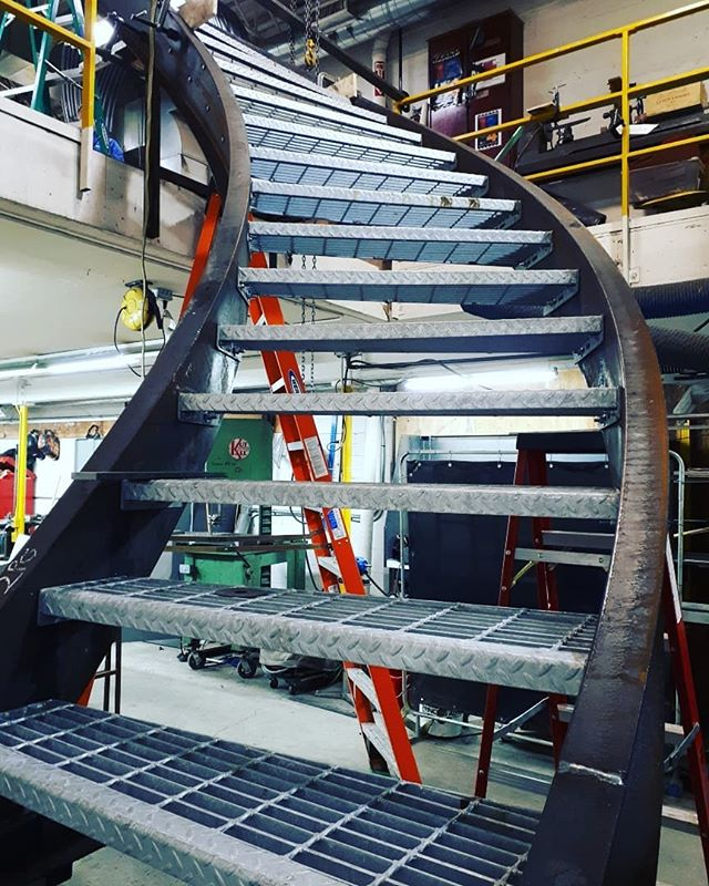 90 degree curved stair for rooftop deck #curvedstairs #curvedstaircase #steelstairs #customfabrication