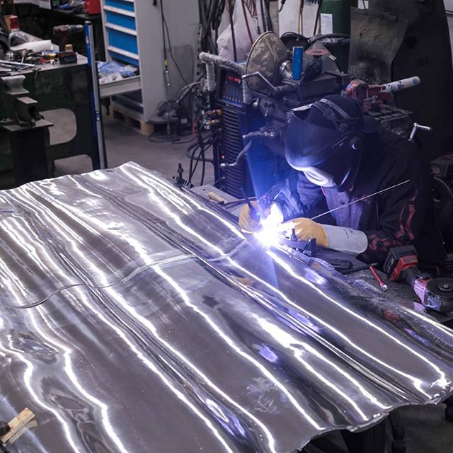 Mirror polished aluminum curtain for @jon.sasaki and #ttc being welded up #gtwa #4043 #publicart #customfabrication #metalsculpture