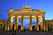 350px-Brandenburger_Tor_abends.jpg