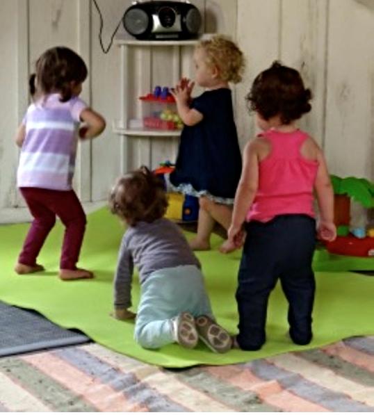 Hora da Dança na Cooperativa das Mães (Arquivo Maezíssima)