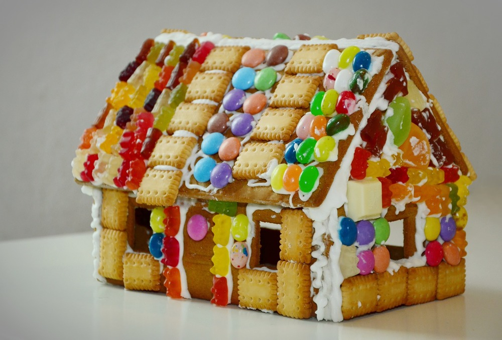 gingerbread-house-1098731_1920.jpg