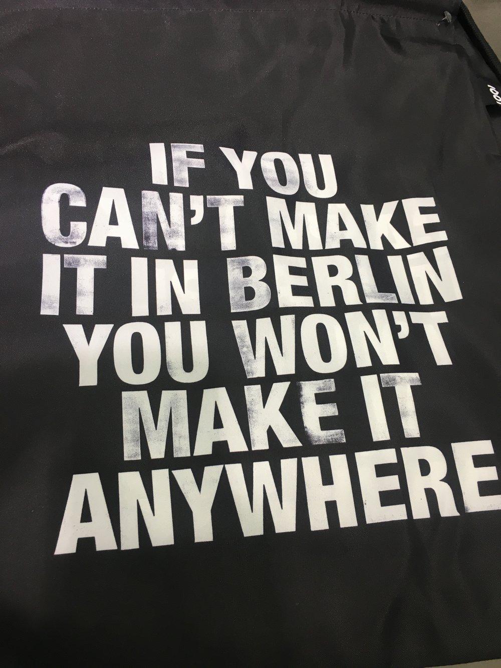 Hahahaha! Nesse mundo onde é tudo é tão difícil, tem coisa mais legal que ser uma cidade fácil?