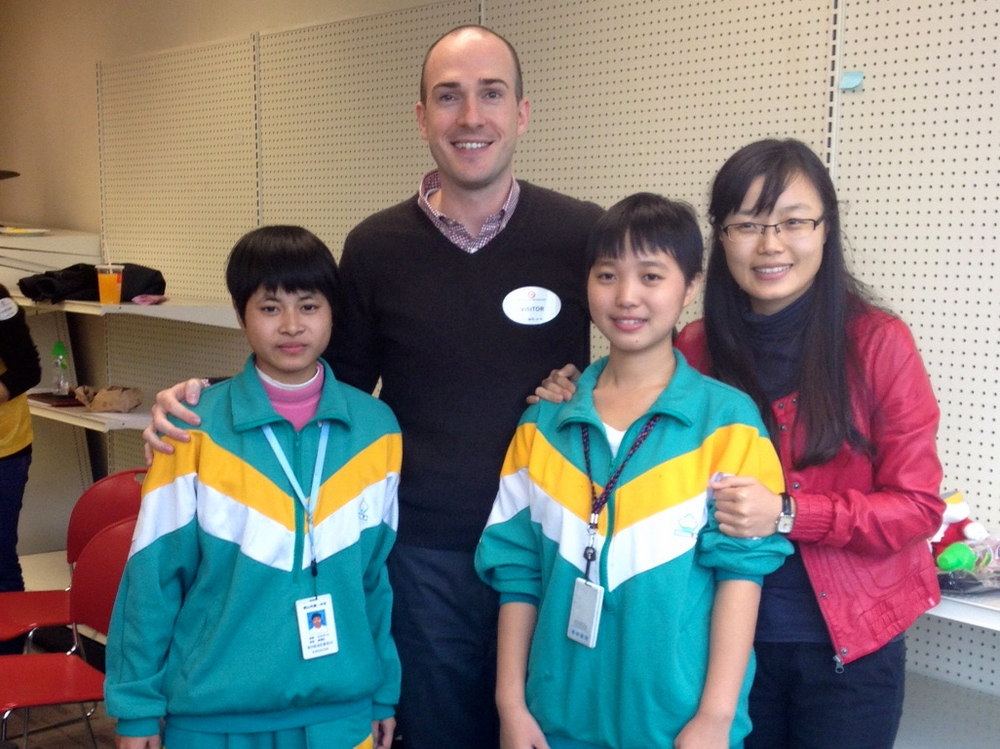 With scholarship students & Dolphin in Shenzhen