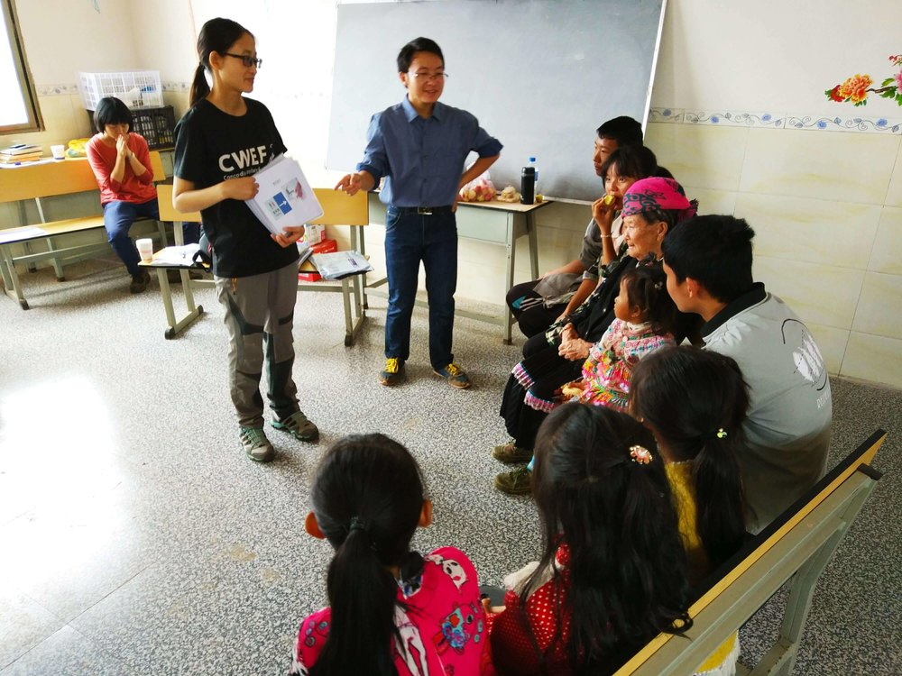 Jenny Chu of CWEF, conducting health training with local volunteers