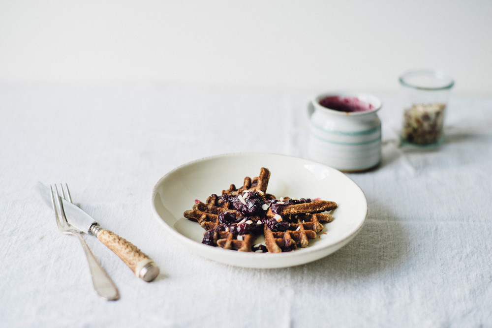 banana buckwheat waffles | dolly and oatmeal