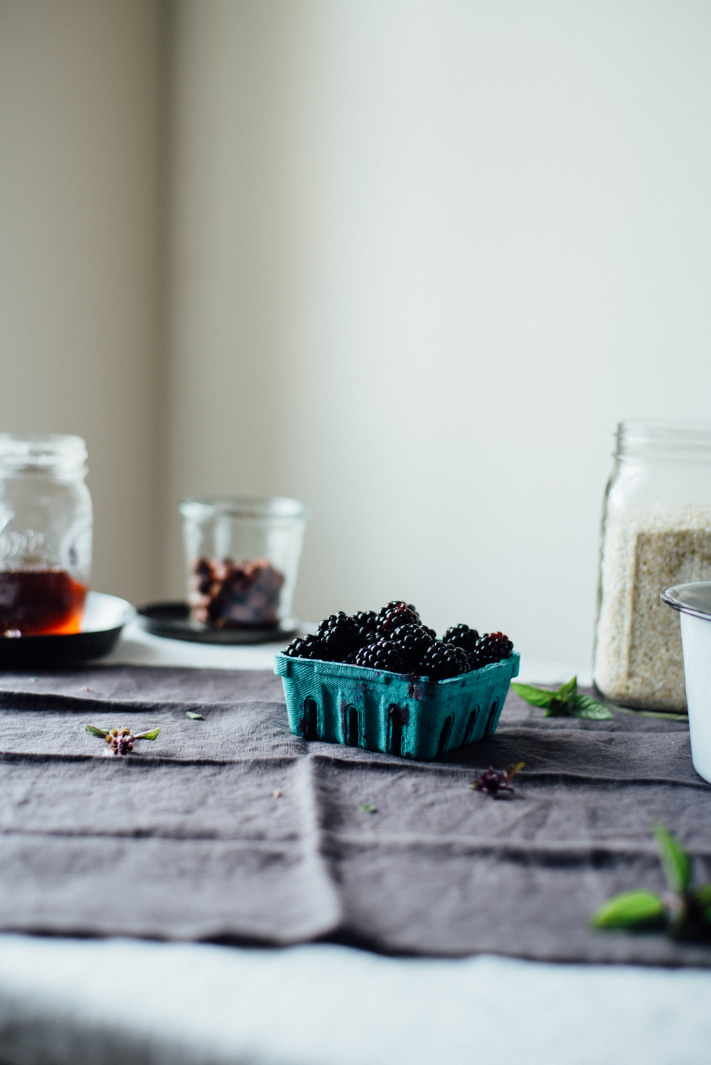 breakfast quinoa flakes w/ stewed blackberries + basil flowers | dolly and oatmeal